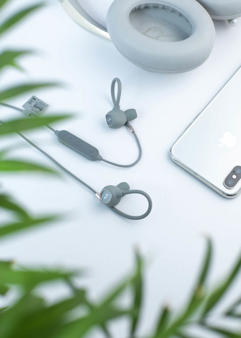 Saving Money on New Electronic Devices